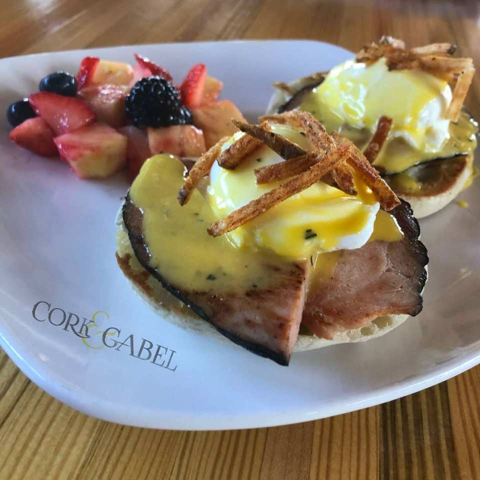 Traditional Eggs Benedict (with a twist)