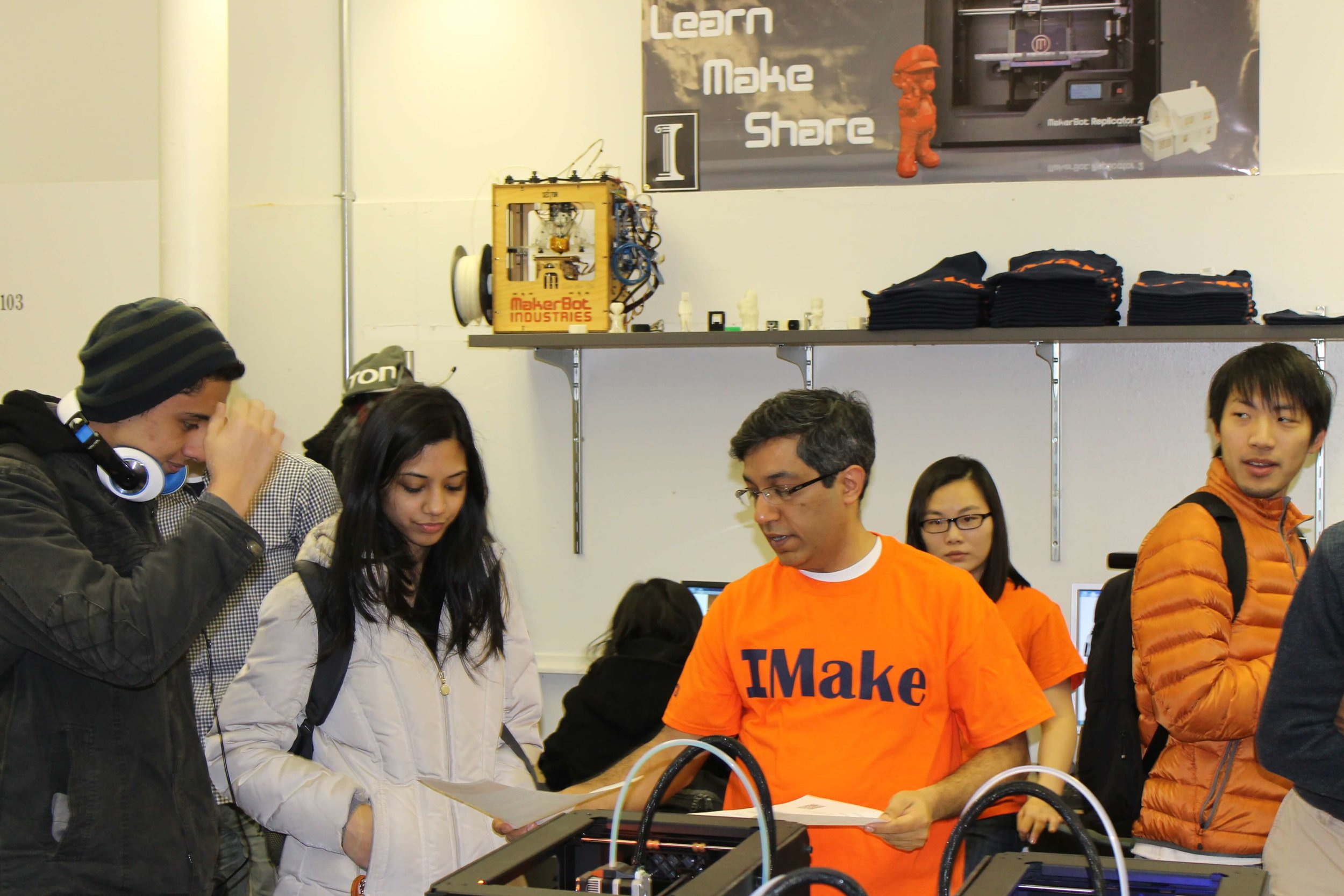 Vishal Sachdev, Director of the MakerLab, explains to some Architecture students