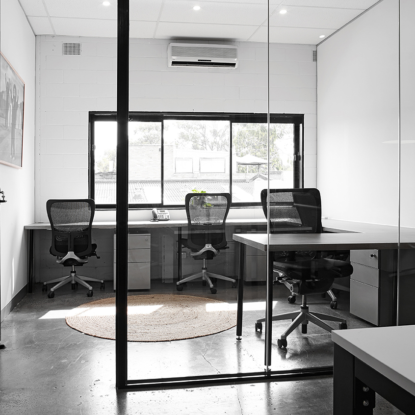 Private Studio - Various sizes available suitable for 1 to 4 people eachKeyed private office24/7 access 365 days (FOB access)Mailing addressPriority access to meeting/conference roomErgonomic desk, office chair & drawer storageFrom $1,290 p/month to $2,490 p/month