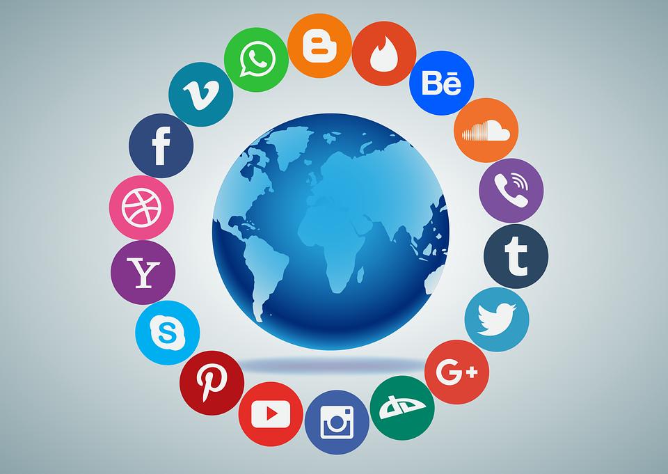 social-media-1405601_960_720.png