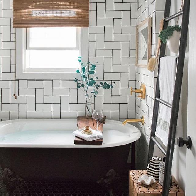 My boiler exploded yesterday... and I can't wait to have a proper shower 🚿 📷 @apartmenttherapy  #bath #gratitude #islington #hackney #showergoals