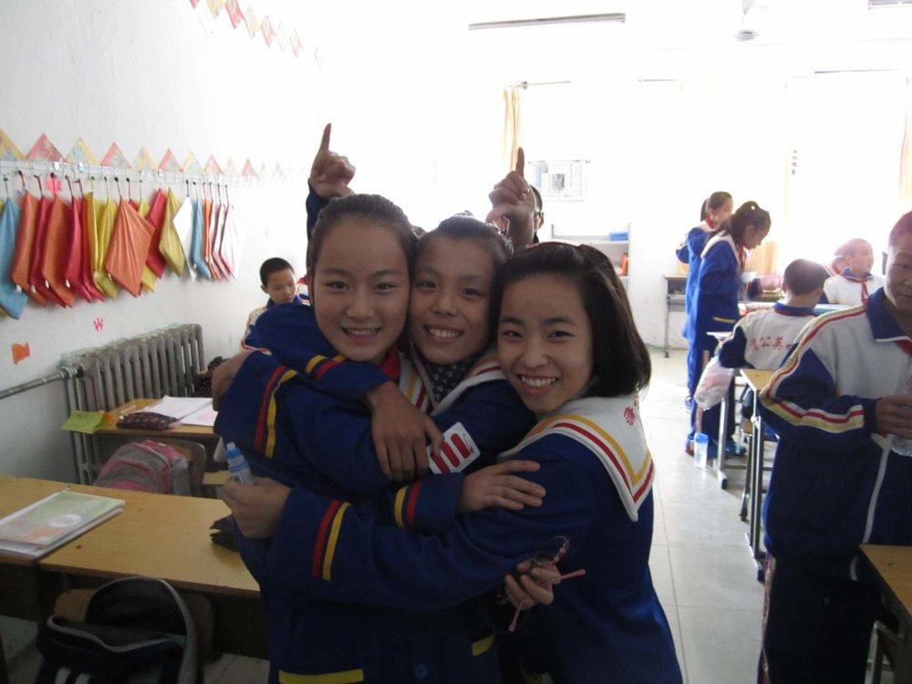 girls in class_2__1542278493_193.143.48.129.jpg