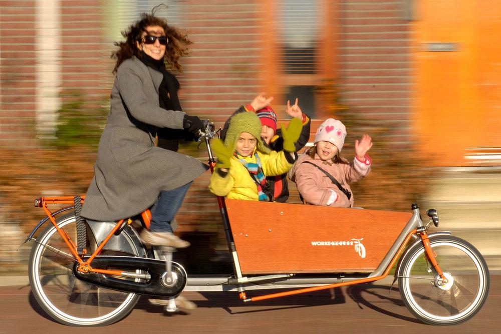 Bakfiets-3 kids.jpg