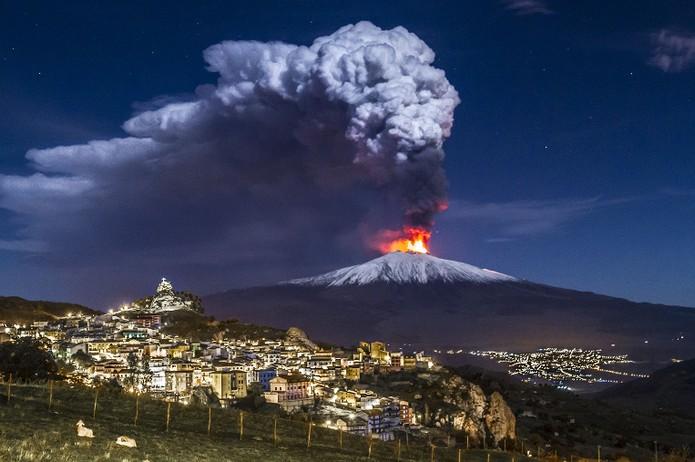 Mount-Etna-Sicily.jpg