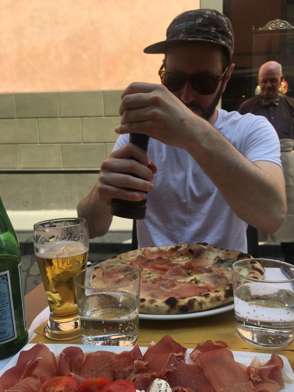 Milano-pizza2.jpg