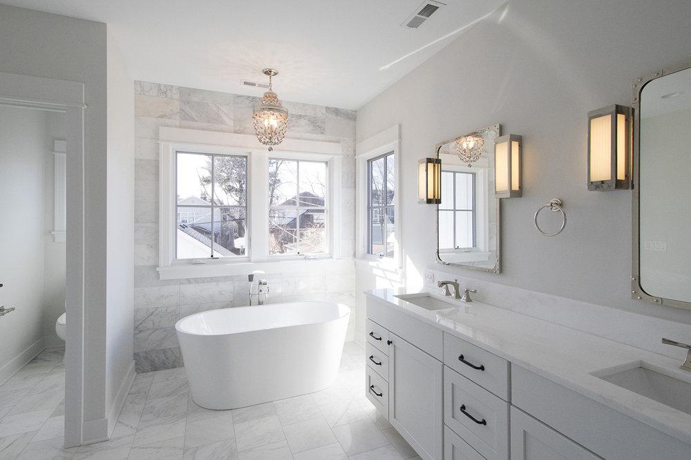 modern farmhouse_master bath.jpg
