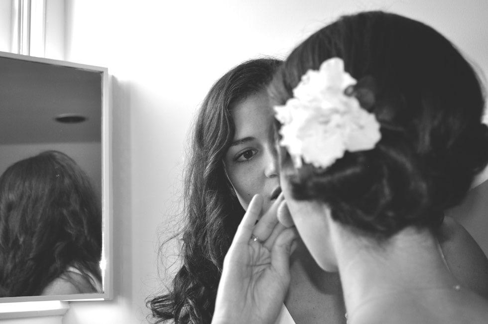 putting on makeup pre wedding.jpg