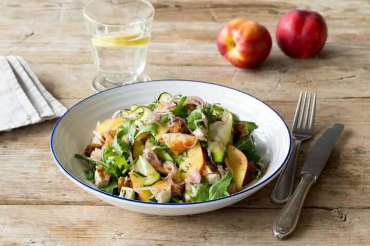 chicken-and-nectarine-panzanella