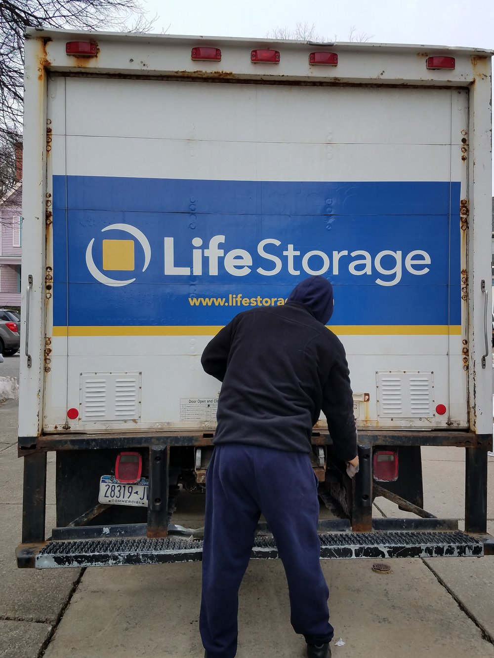 Free truck rental from Life Storage.