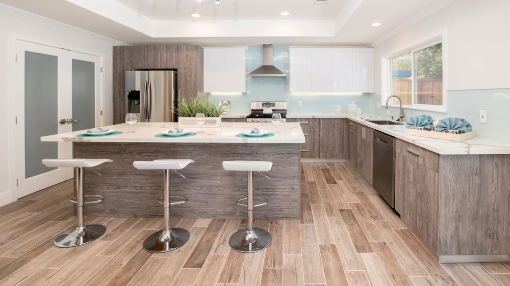 REDWOOD CITY, CA - CLICK TO VIEW MORE