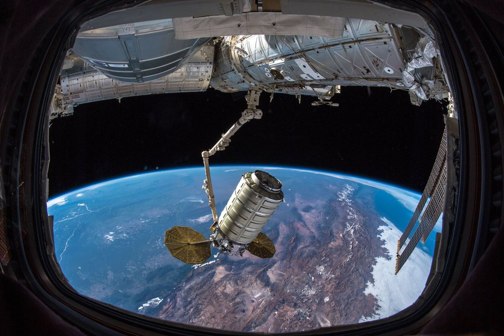 SS John Young  arriving at the ISS the next day. (Photo: NASA/ESA)