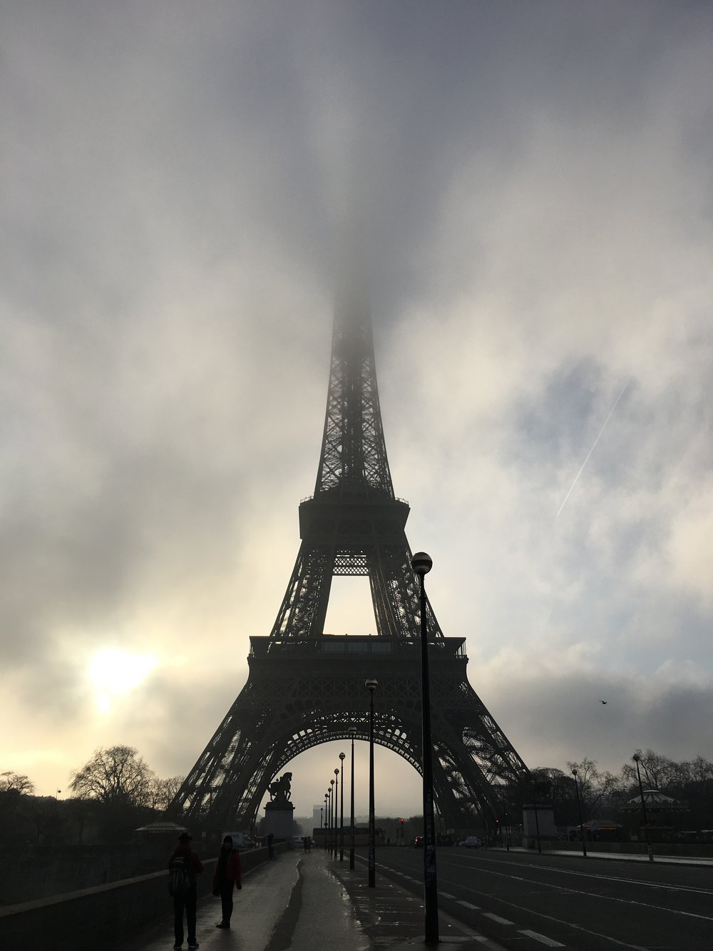 Paris_Eiffel Tower with fog.JPG