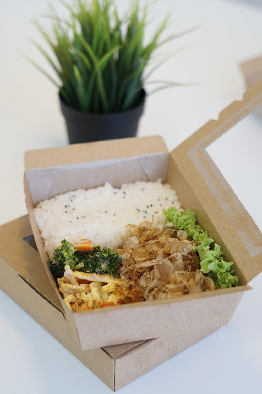 大阪燒雞排便當 | Okonomiyaki Chicken Bento |  照り焼きチキン弁と
