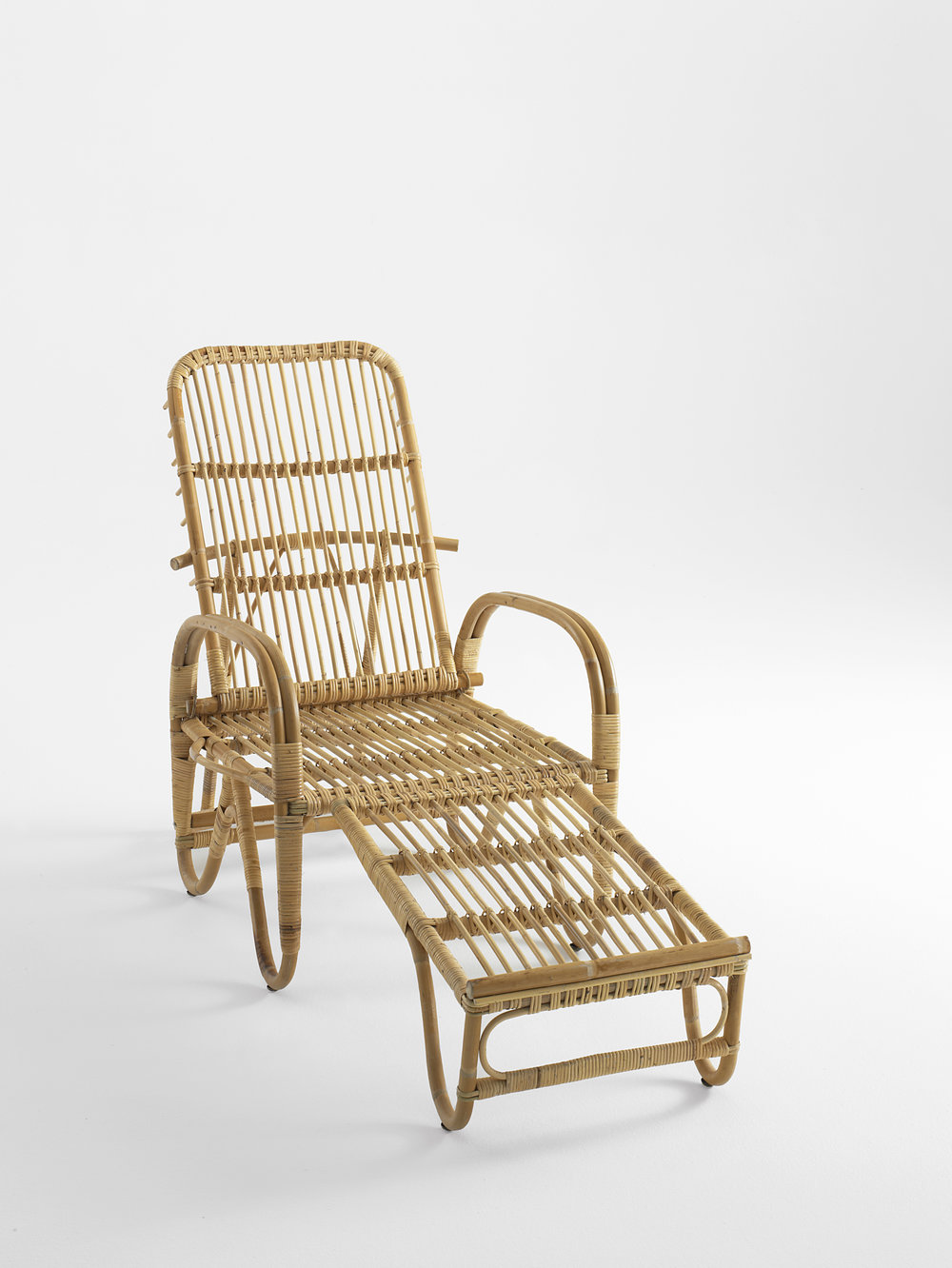 Liggestolen rattan deck chair