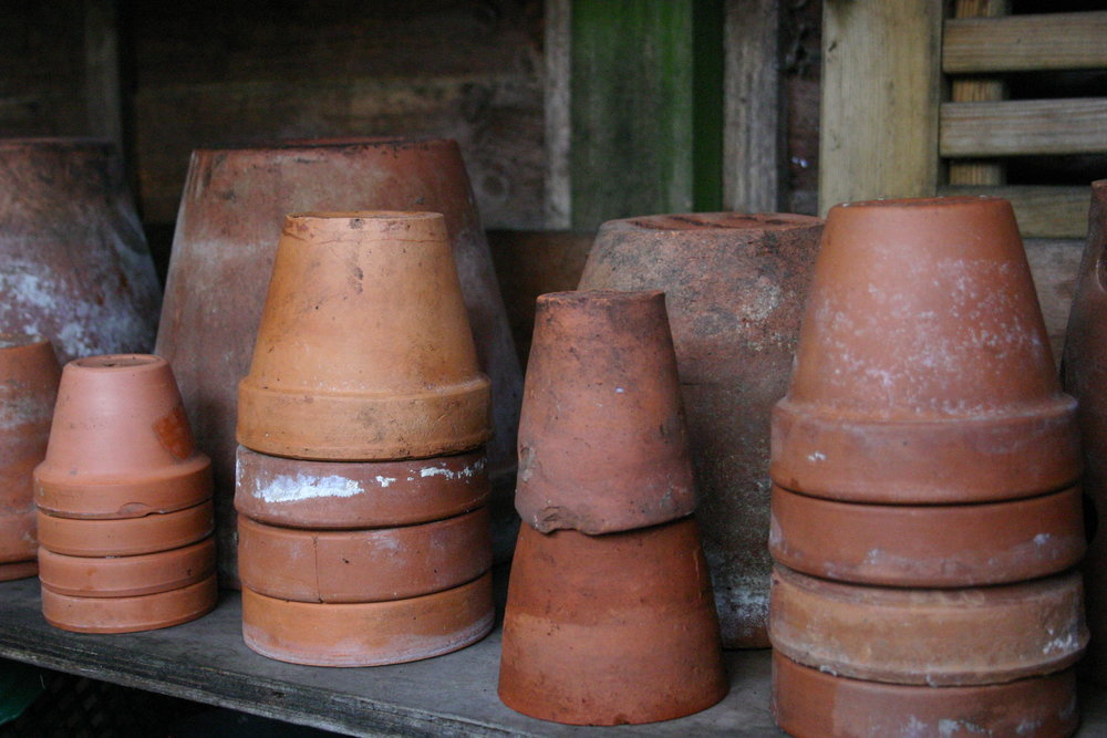 clean terracotta pots