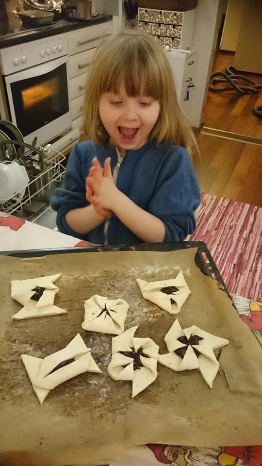 Päivin Vilja-tyttö on innokas leipuri.