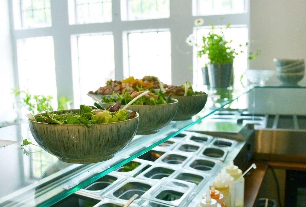 salad bar1.jpeg