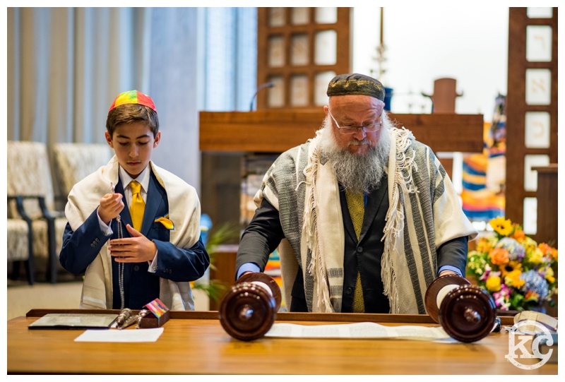 Temple-Beth-Avodah-Bar-Mitzvah-Kristin-Chalmers-Photography_0005