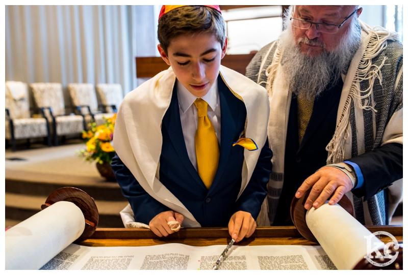 Temple-Beth-Avodah-Bar-Mitzvah-Kristin-Chalmers-Photography_0027