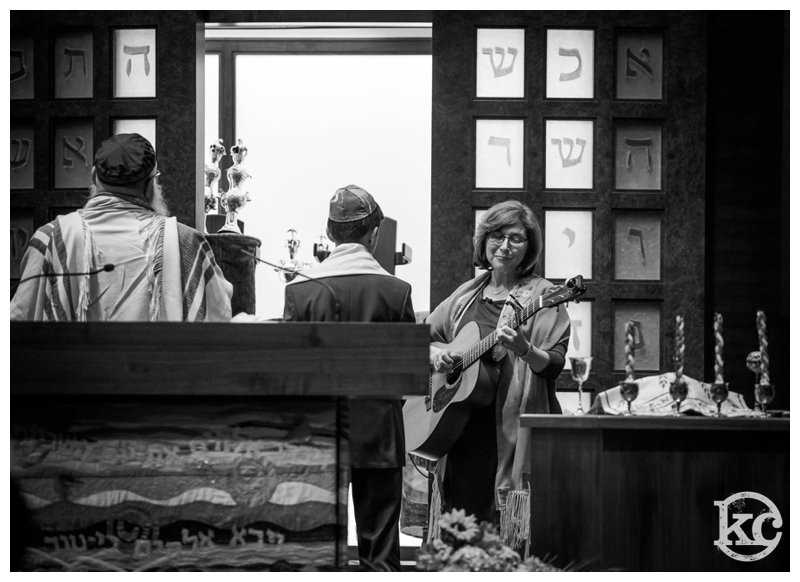 Temple-Beth-Avodah-Bar-Mitzvah-Kristin-Chalmers-Photography_0039