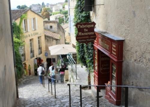 Saint Emilion street.jpg