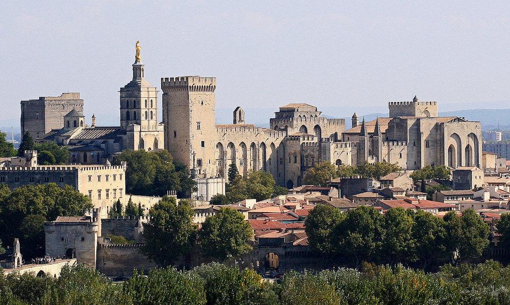 Avignon,_Palais_des_Papes.jpg