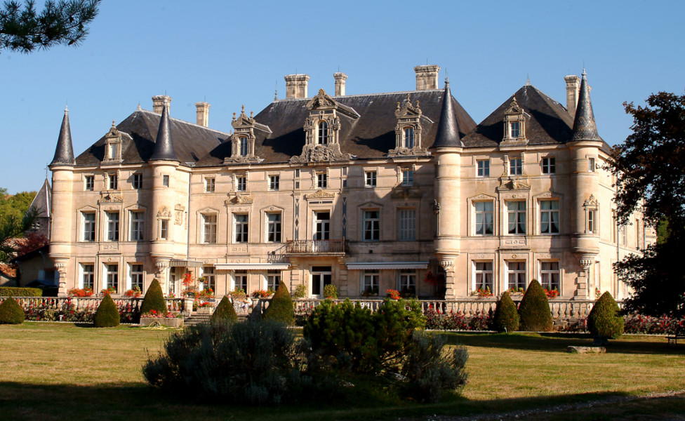 chateau des Monthairons.jpg