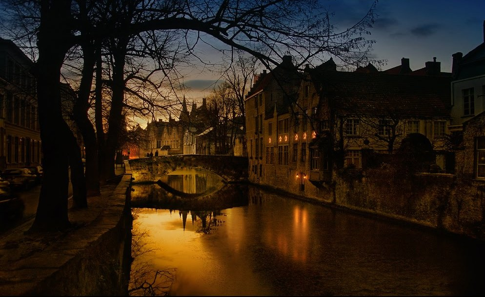 Bruges by Night Walking Tour Bruges