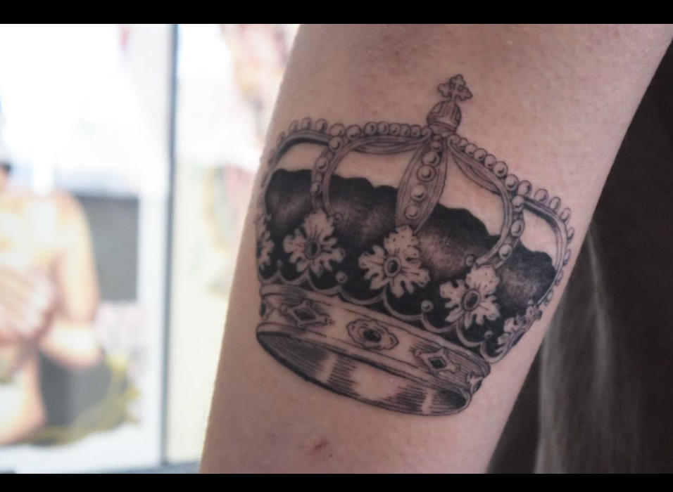 crown tattoo.png