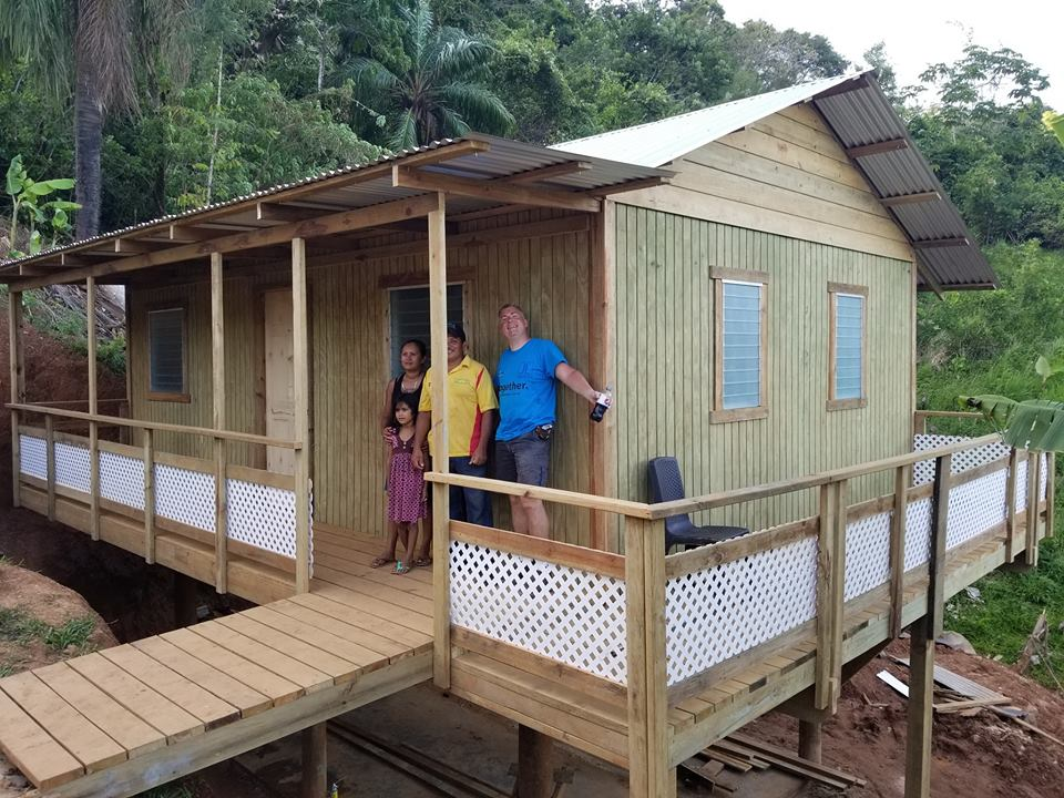 roatan_homes_for_poor.jpg
