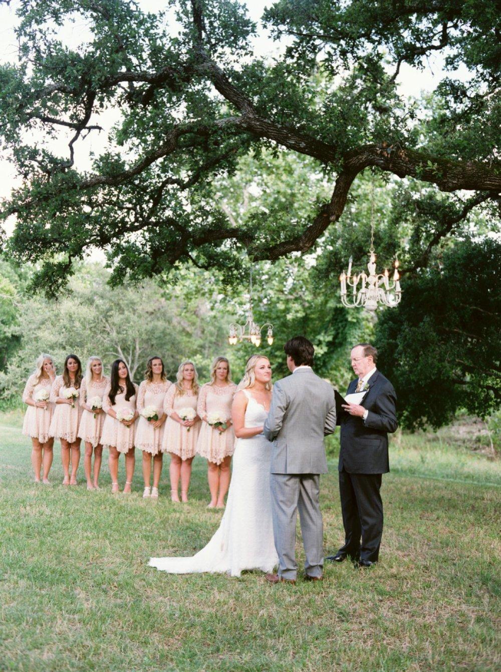 de2c9-http3a2f2fjennamcelroy-com2fblog2f20152f102f52fjennas-bridals-austin-wedding-photographer2fblog2f20152f102f52fjennas-bridals-austin-wedding-photographer.jpg