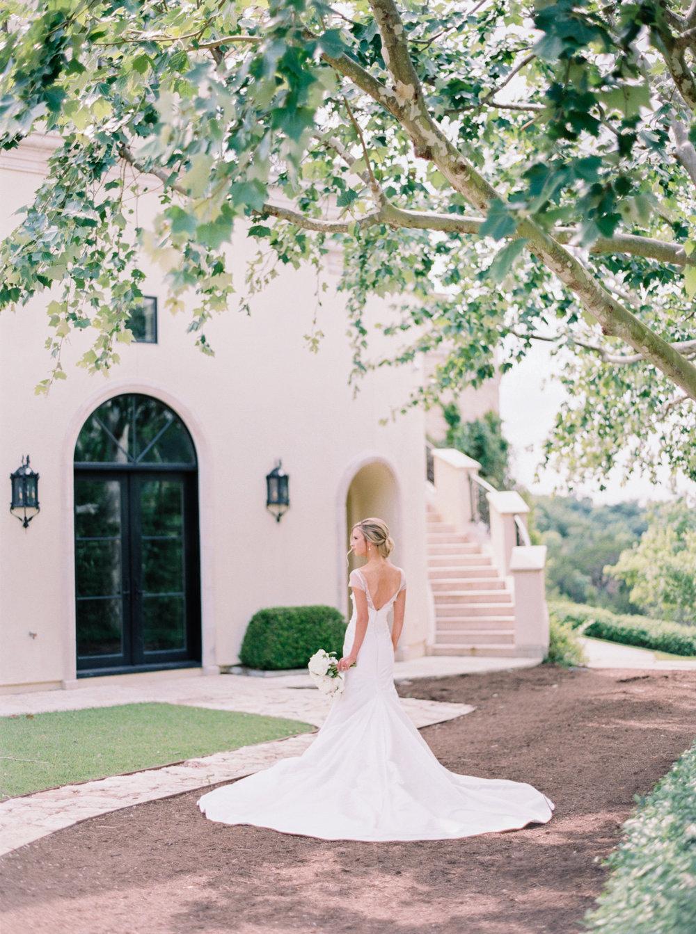 jenna-mcelroy-bridal-portraits-a-southern-tradition-6