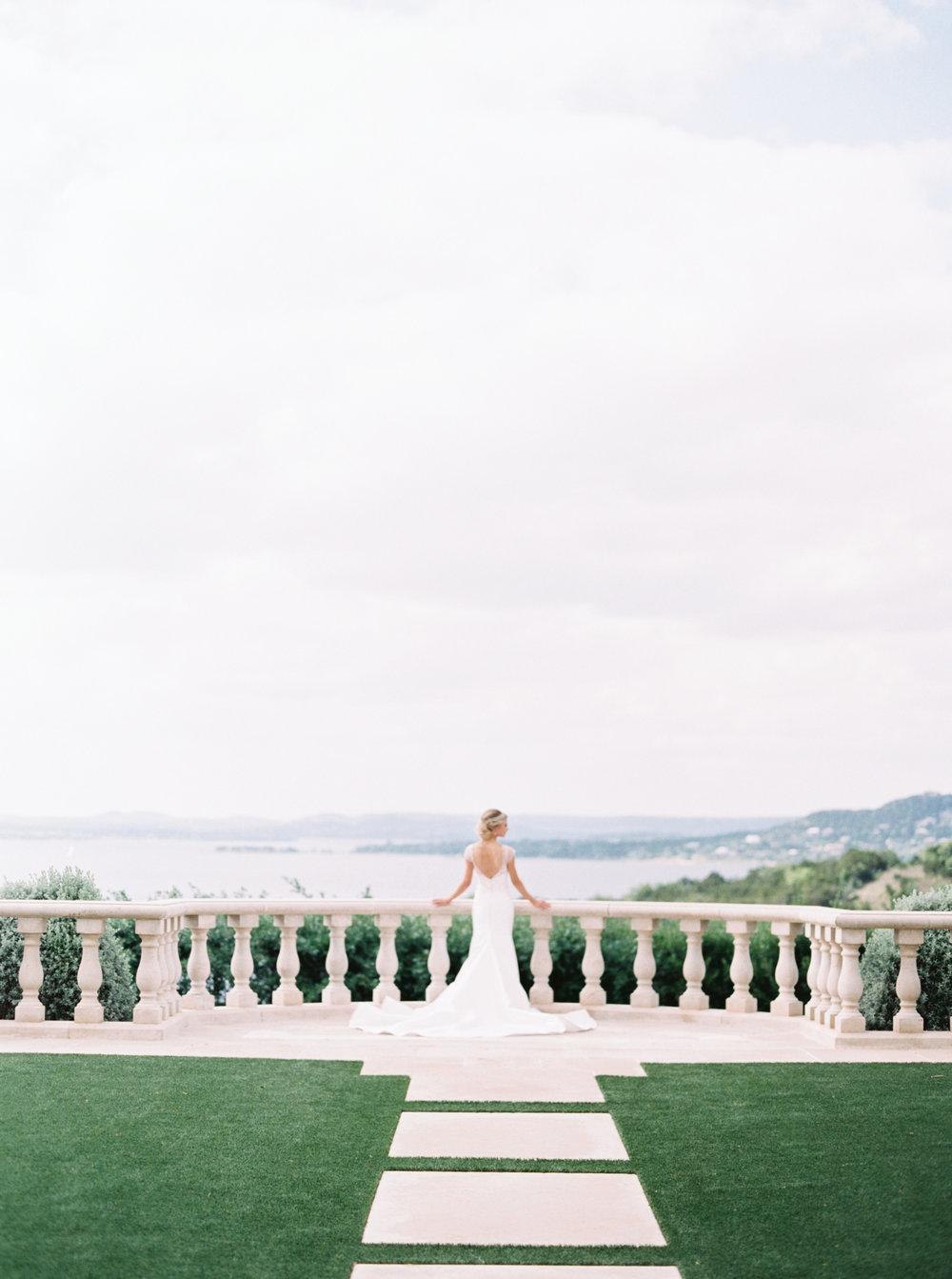 jenna-mcelroy-bridal-portraits-a-southern-tradition-12