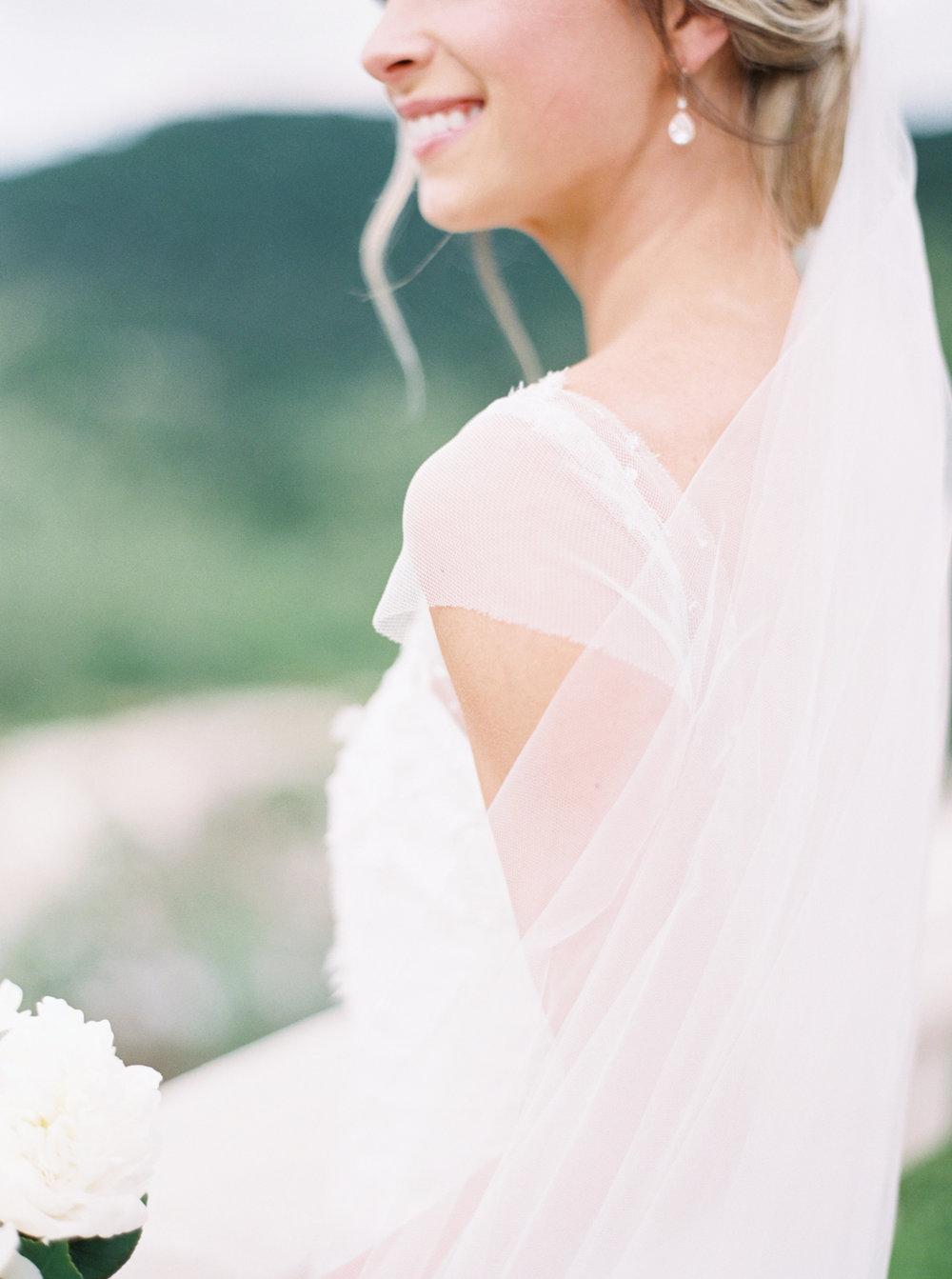 jenna-mcelroy-bridal-portraits-a-southern-tradition-13