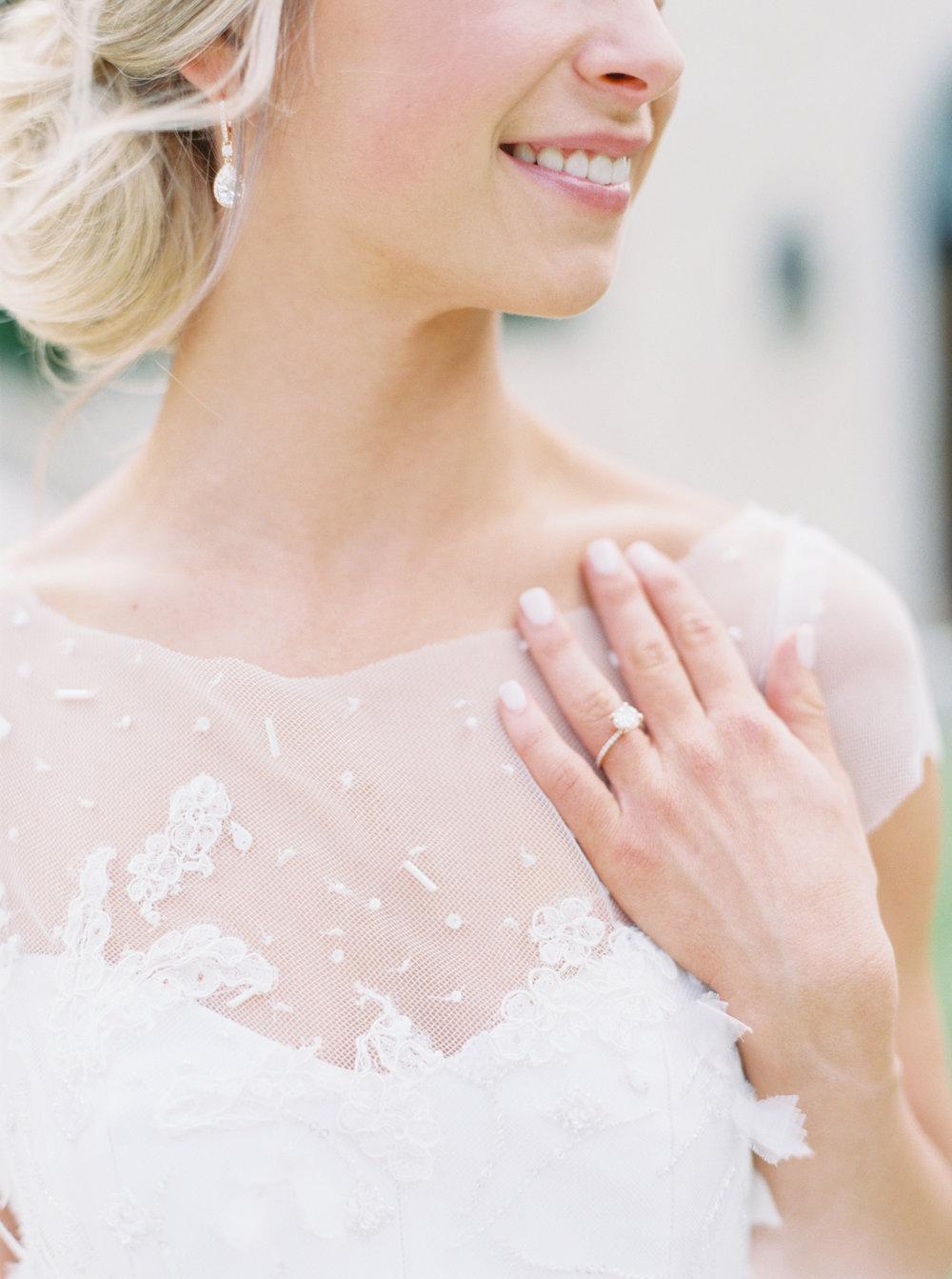 jenna-mcelroy-bridal-portraits-a-southern-tradition-11