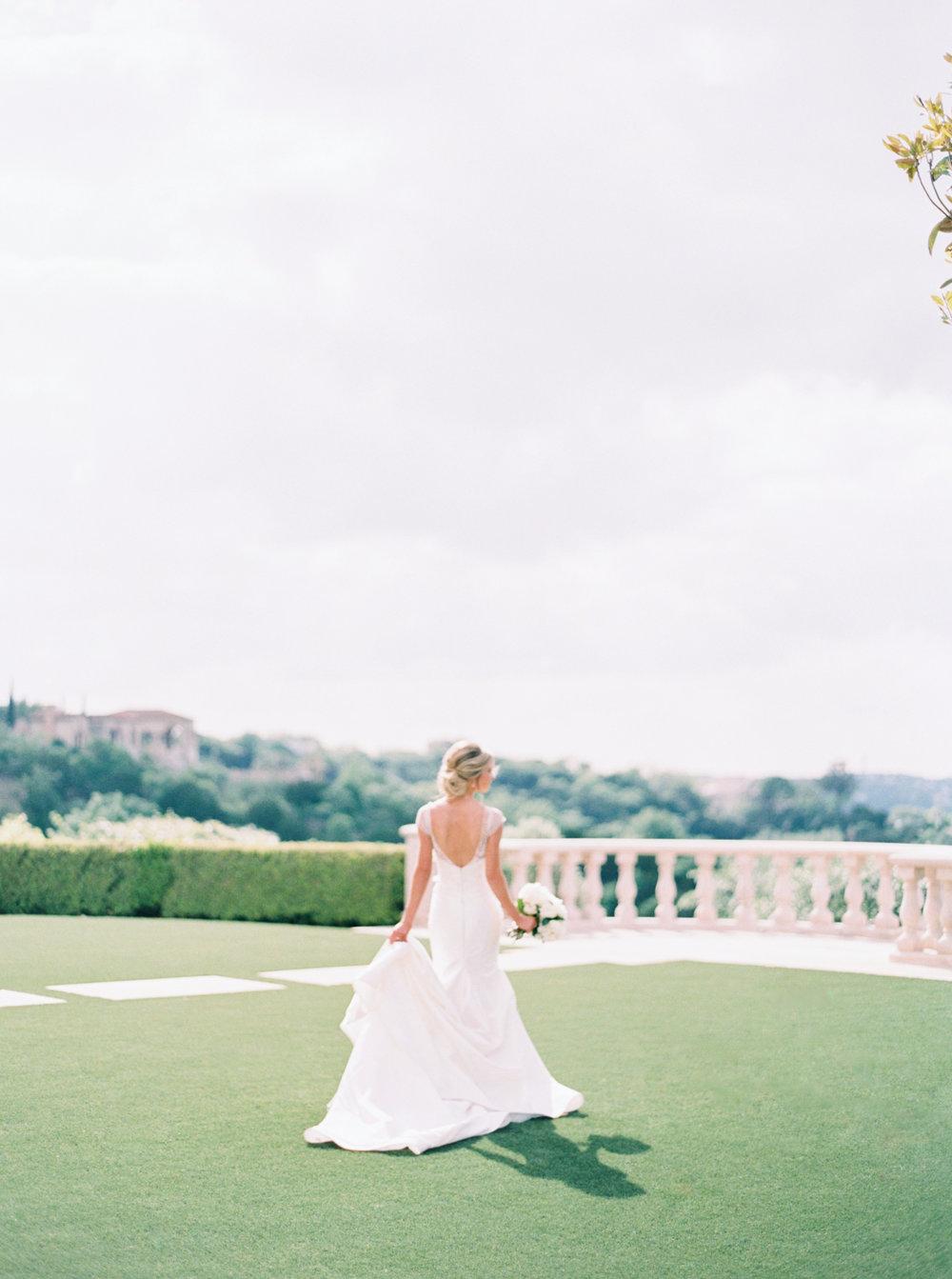 jenna-mcelroy-bridal-portraits-a-southern-tradition-9