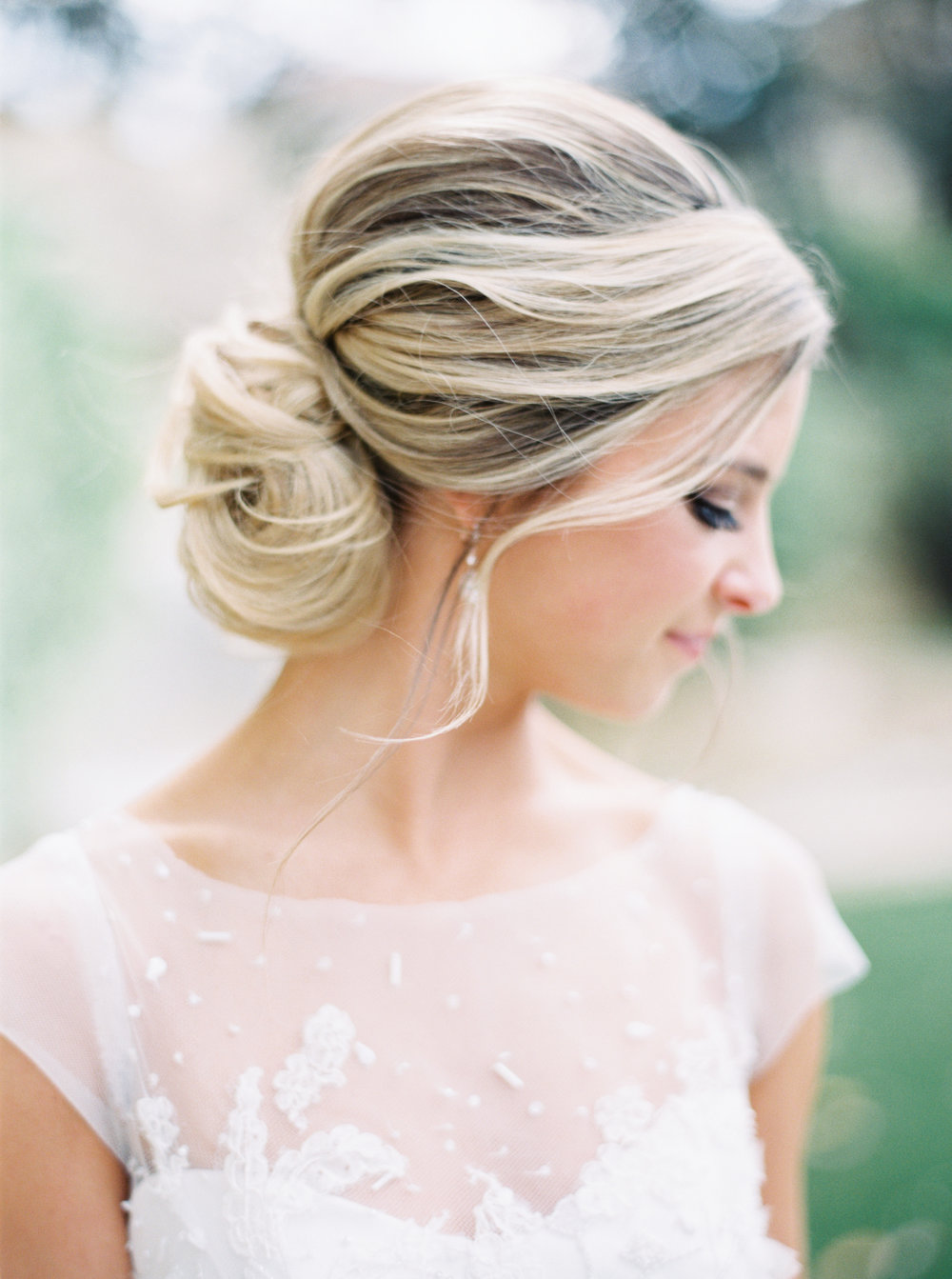 8 stunning bridal up-do hairstyles-2.jpg