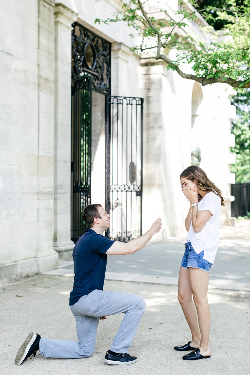 photography-natural-candid-engaged-proposal-philadelphia-wedding-rodin museum-barnes foundation-parkway-modern-lifestyle-01.JPG