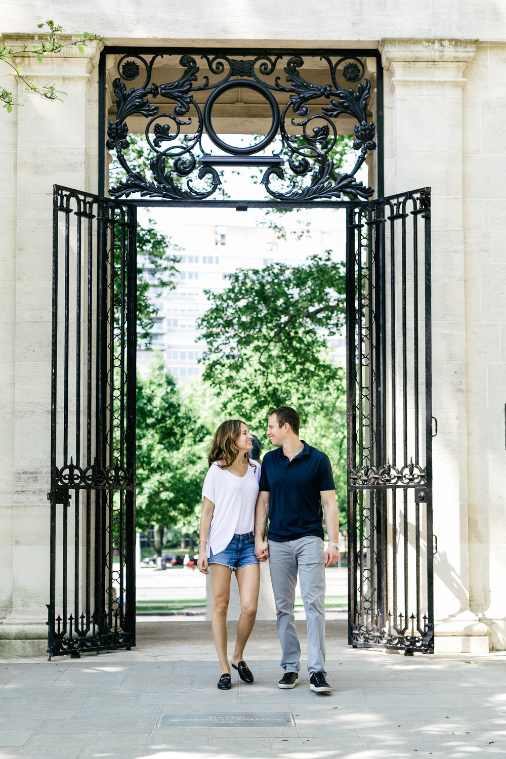 photography-natural-candid-engaged-proposal-philadelphia-wedding-rodin museum-barnes foundation-parkway-modern-lifestyle-09.JPG