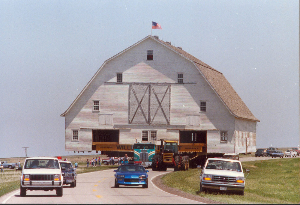 moving barn 5.jpg