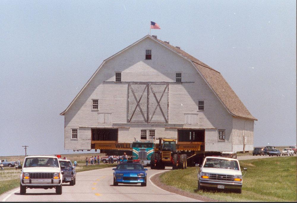 moving barn 5.jpg