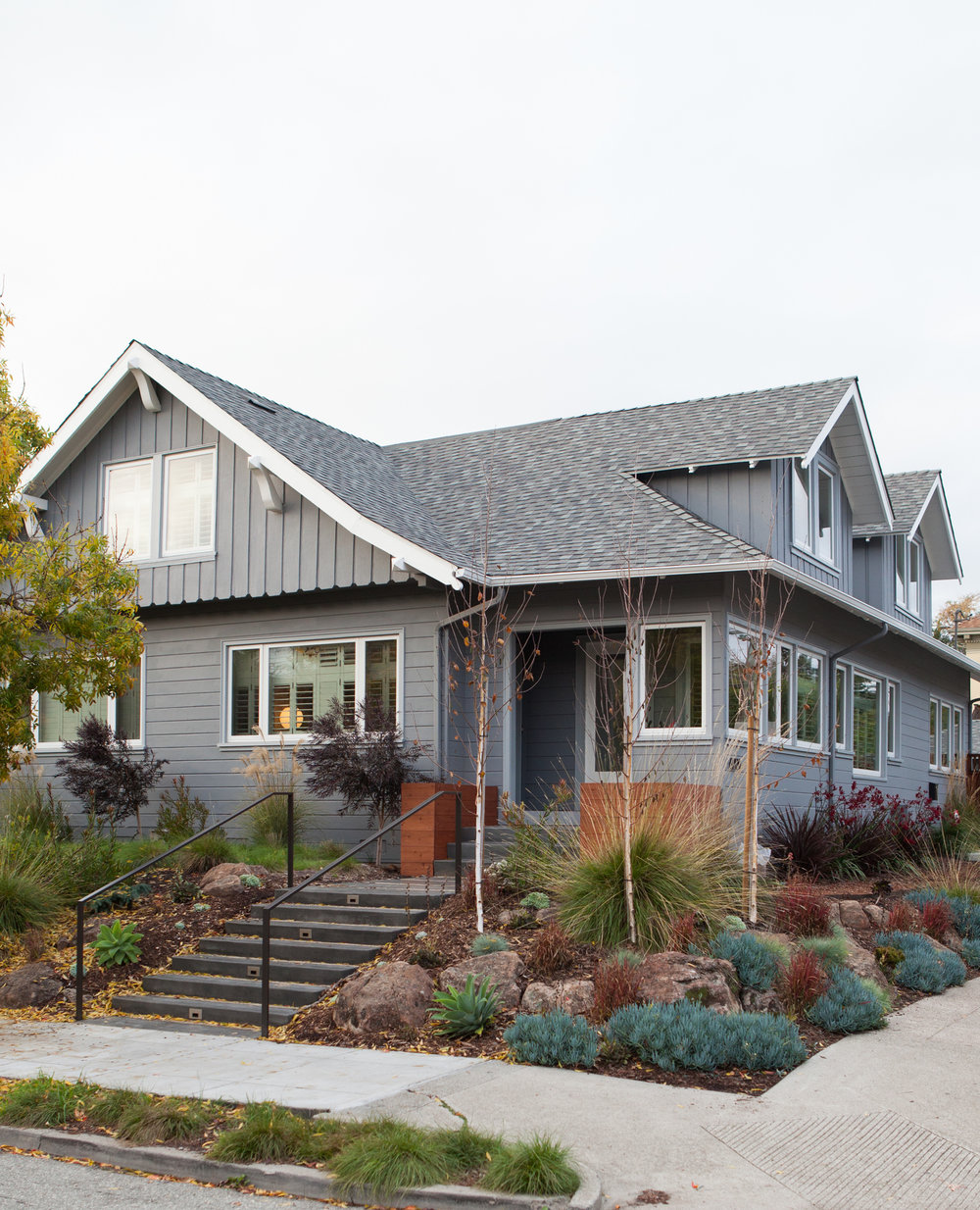 rockridge_exterior-entry.jpg