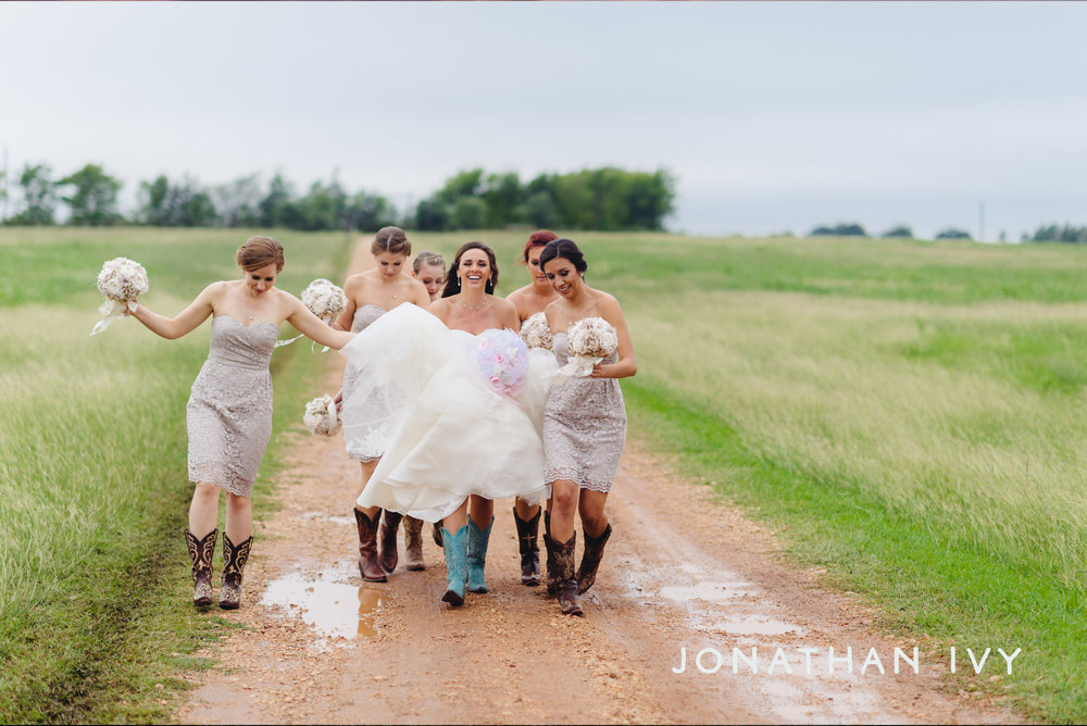 Prairie Weddings Bridesmaids Jonathan Ivy.jpg