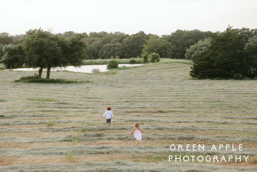 Green Apple Photography The Prairie Weddings .jpg