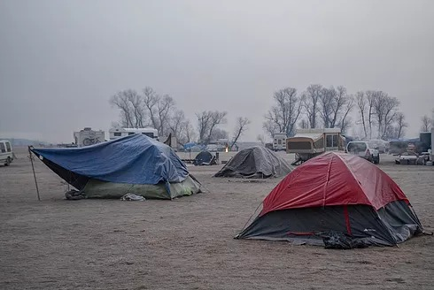 Campers set up around Oceti Sakowin
