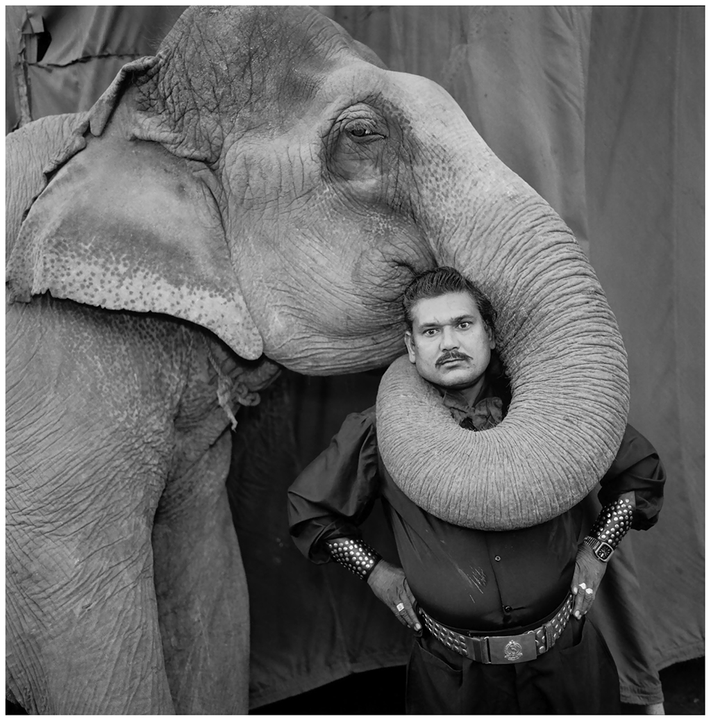 ram-prakash-singh-with-his-elephant-shyama-great-golden-circus-ahmedabad-1990