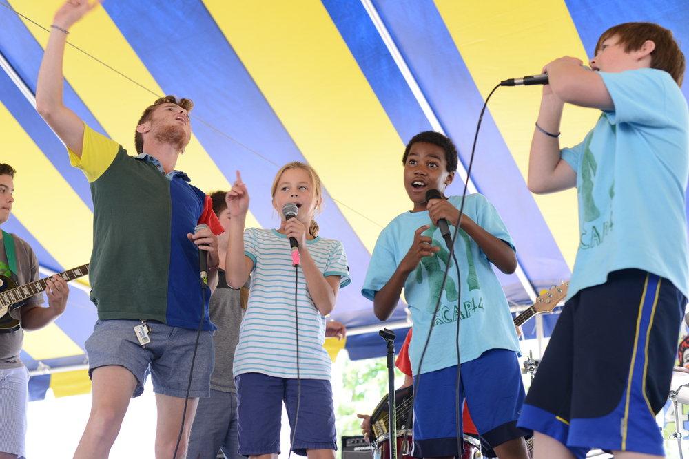Singers 3.JPG
