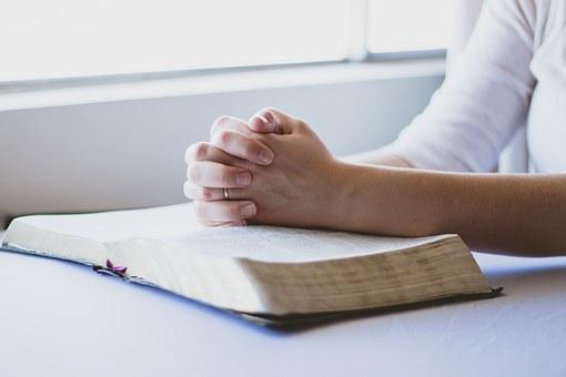 prayer-1308663__340.jpg