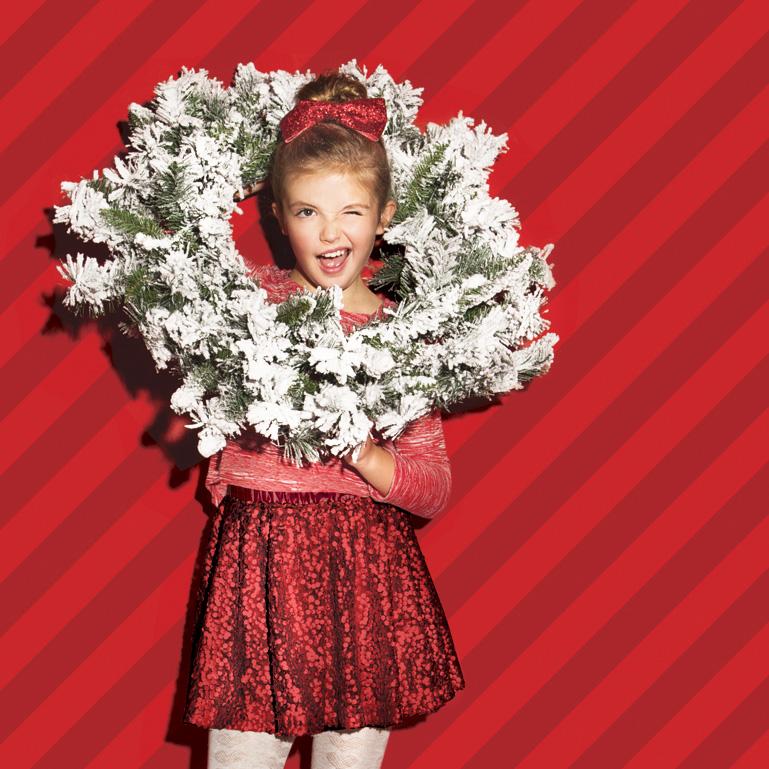 SCRN_Girl_Wreath.jpg