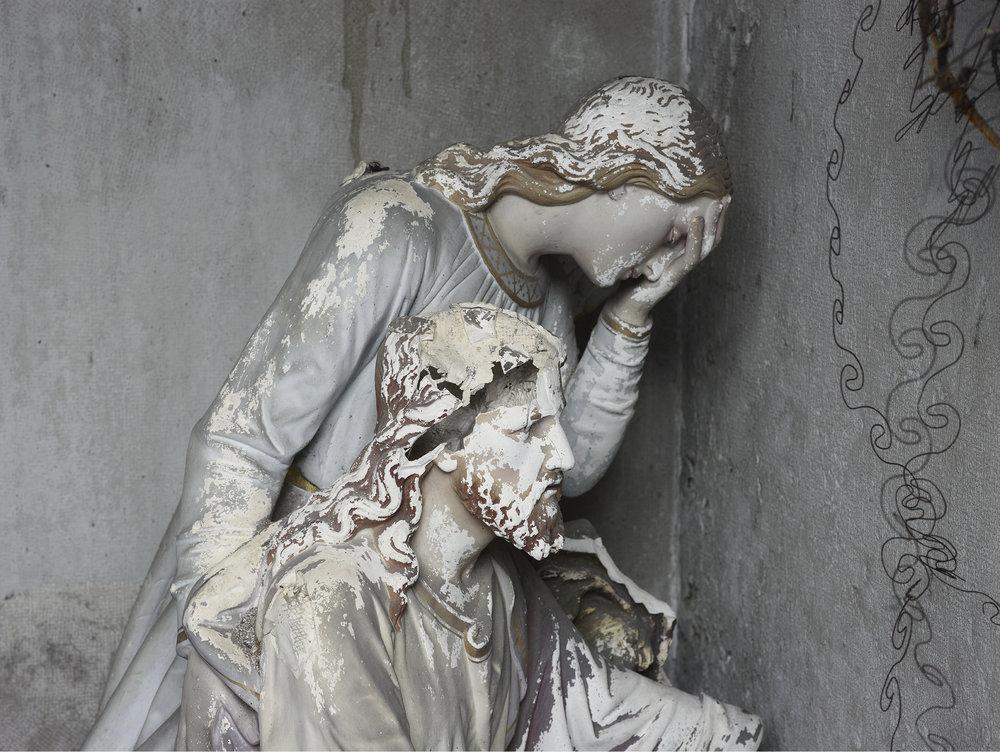 Sainte Agonie profanée, Cimetière de Morez.